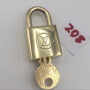 Louis Vuitton Lock and key set 208